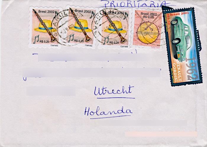 Foto van envelop met postzegels