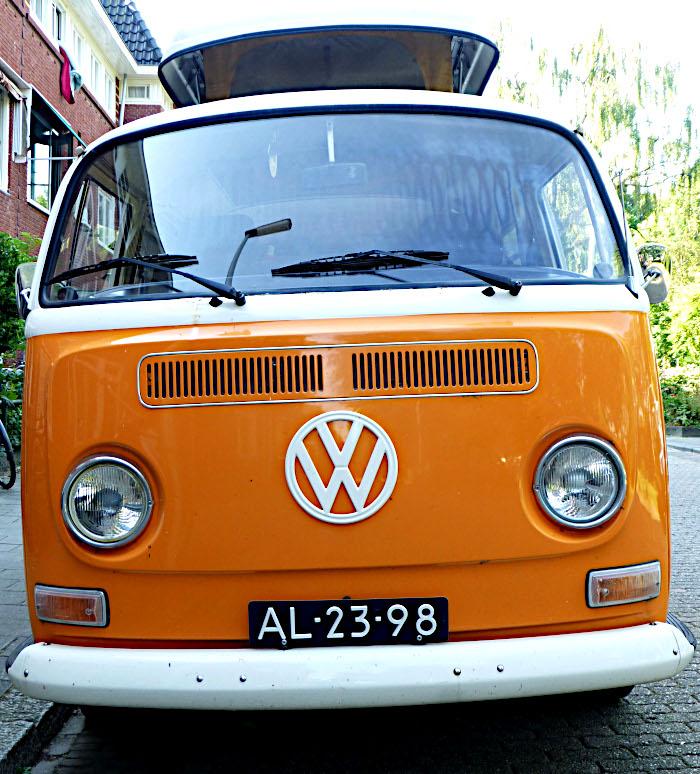 Foto van voorkant van Volkswagen Kombi