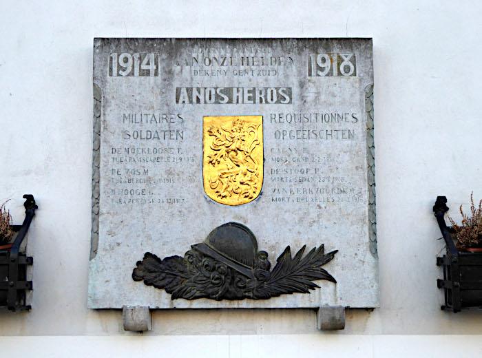 Foto van herddenkinsplaquette oorlog 1914-'18