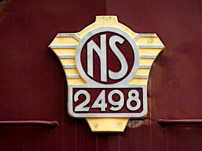 Foto van logo op diesellocomotief