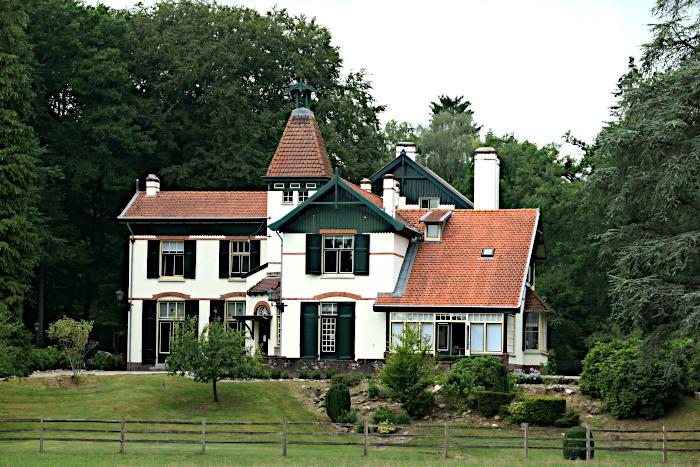 Foto van grote villa