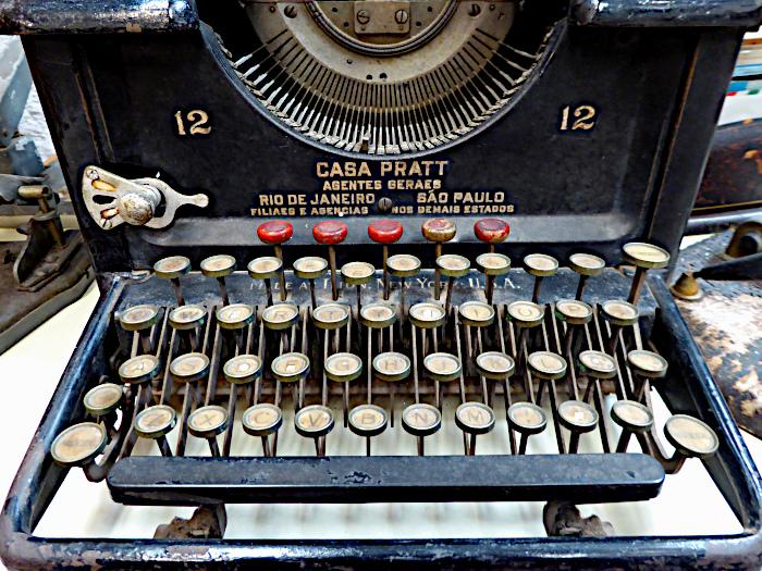 Foto van oude typemachine